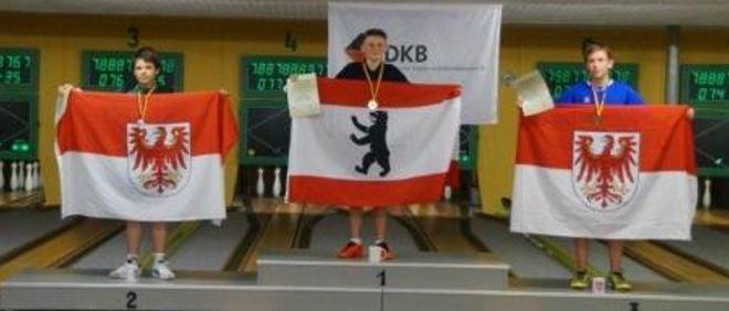2. Erik Koschan 856 Holz (KFV BK Oberspreewald-Lausitz) - 1. Phillip Bartel 860 Holz (Berliner SKV) - 3. Fabian Jaeger 852 Holz (KFV Potsdam Mittelmark)